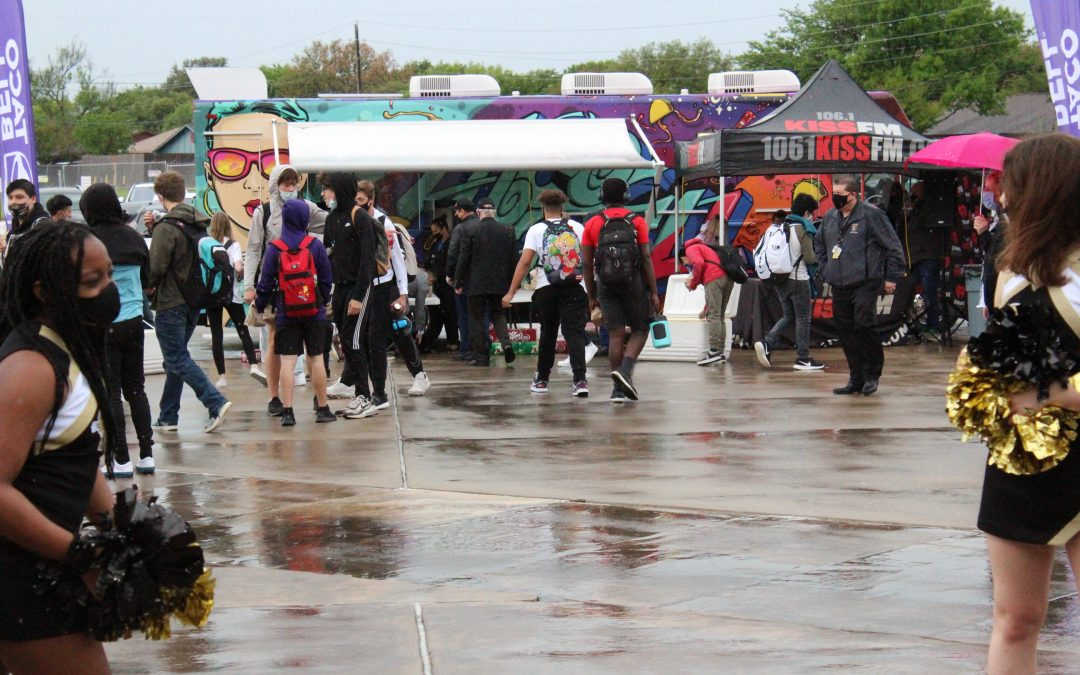 Taco Bell® Franchisee Throws Taco Party for The Colony High School